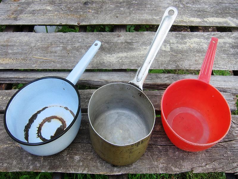 Эти ковшики сделаны из различных материалов и весьма полезны в нашем хозяйстве