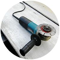 На даче применяются на практике самые различные виды механических и электрических инструментов