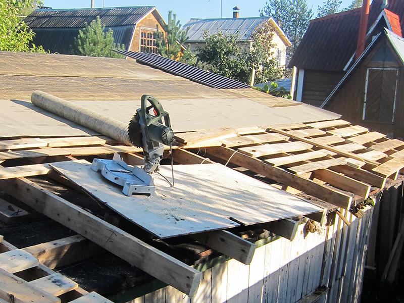 Торцевой пилой дрова лучше не резать - для этого и бензопила подойдет, а эту берегите для ювелирных работ