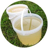 Техническая вода очень удобна для того, чтобы искупаться или помыть посуду, а также для полива растений на даче