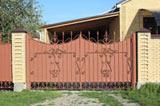 Металлические ворота с узором