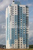 Фотография многоэтажного дома в столице Белорусской Республики