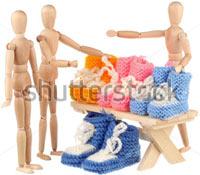 Фотография «Манекены в магазине детского трикотажа» в фотобанке «Shutterstock»