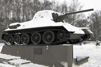 Город Сходня, танк Т-34 зимой